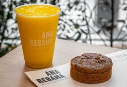 Combo Torta de Banano sin azúcar + Jugo Premium