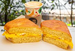 Combo Super Sandwich + Capuchino Discreto