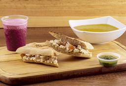 Panini Chicken Pesto + Sopa + Jugo Natural