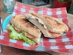 Sándwich Salmandra