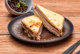 Sándwich Gratinado Jamón y Queso