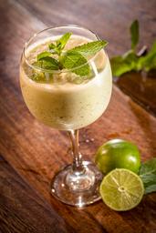 Limonada de Coco y Hierbabuena