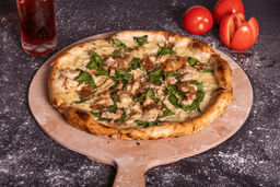 Pizza con Pollo Tocineta