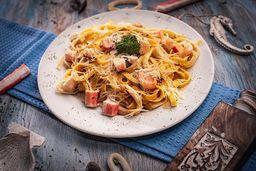 Fetuccini Marinero Parmesano
