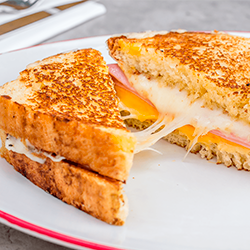 Sándwich Grilled Cheese & Ham