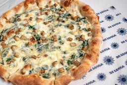 Pizza de espinaca y alcachofa