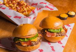 2 Bacon Burger más unas Papas Deluxe grandes