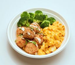Mac & Cheese Croqueticas De Pollo