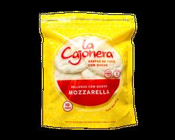 La Cajonera Arepa de Yuca Rellena con Queso Mozzarella