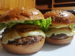 Burger Angus Clasica con papas