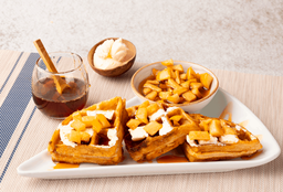Waffles Manzana, Canela y Queso Crema