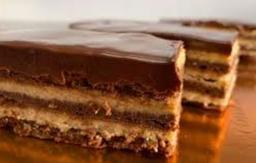 Torta capas de avellanas para dos