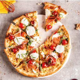 pizza búfala prosciutto y pomodoro