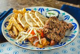 Plato Kebab de Res con Acompañantes