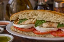 Sandwich Pollo Caprese