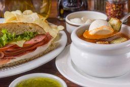 1/2 sandwich y 1 sopa