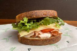 Sandwich pastrami de pavo