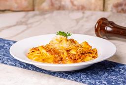 Fetuccini Bolognese