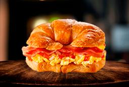 Croissant Huevo y Tocineta