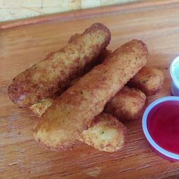 Mozzarella Sticks x5