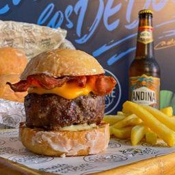 Combo Burger Dona y Cerveza Andina