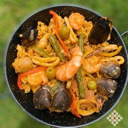 Paella  con Frutos del Mar Mediterraneo (Para Cuatro)