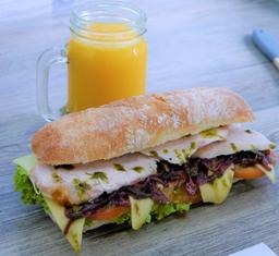 Combo Sandwich M* + Bebida