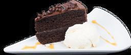 Porcion Torta Chocolate Con Helado De Vainilla
