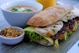 Combo Sandwich M* + Sopa