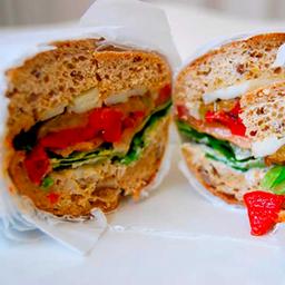 Sandwich de vegetales asados
