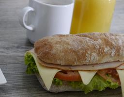 Combo Sandwich FreshCo + Bebida