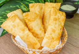 Mini pasteis de carne seca com queijo