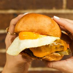 Combo Cheese Burger con Huevo