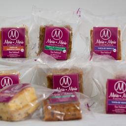 Pack x 10 tortas empacadas surtidas.