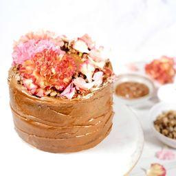 Torta de Vainilla, Arequipe y Nueces Crocantes