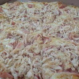 Pizza de Pollo y Jamón Mediana