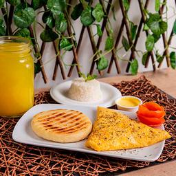 Huevos + Arroz Blanco + Arepa
