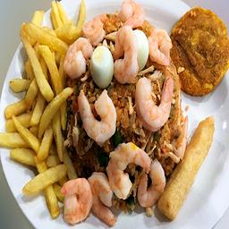 Arroz con pollo y camarón
