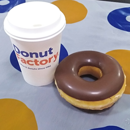 Tinto + Donut