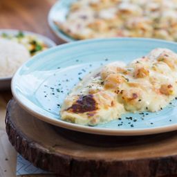 Filete con Camarones Gratinados