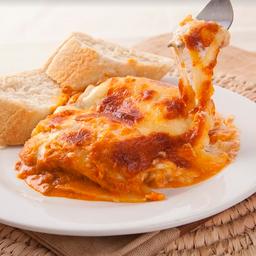 4 Lasagna + Torta 8 Porciones + Bebidas