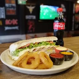 Sandwich de cordero en combo