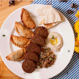 Plato mixto árabe vegetariano o vegano: