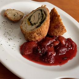 Cordon bleu de pollo con frutos rojos