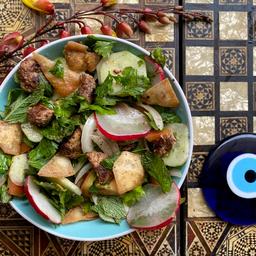 Fattush con Falafel (opción vegetariana o vegana)