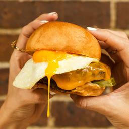 Cheese Burger con Huevo