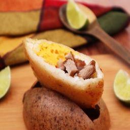 Arepa de Huevo con Chicharrón
