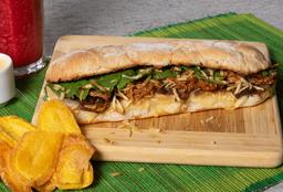 Sándwich Cerdo BBQ y Cebollas