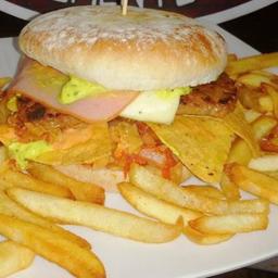 Hamburguesa Mexicana+Papa a la Francesa + Gaseosa 250ml.