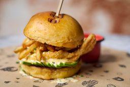 Hamburguesa Crunchy Chix y papas fritas